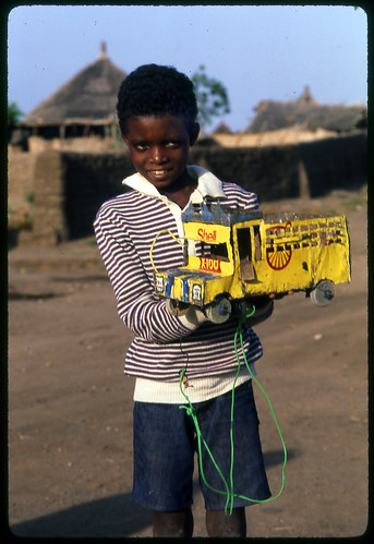 sudan-boy-with-toy