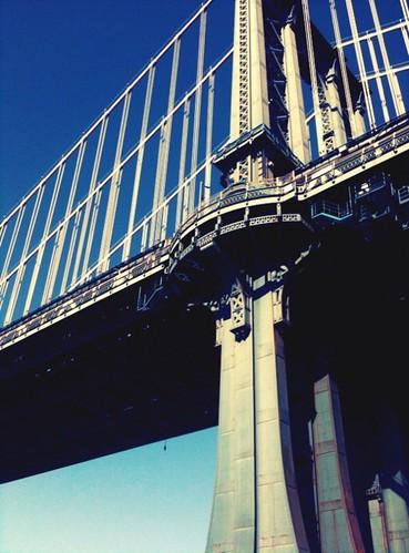 The Manhattan Bridge has dingleberries