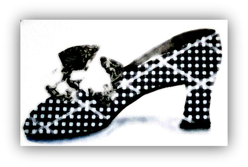 black & white shoe glow