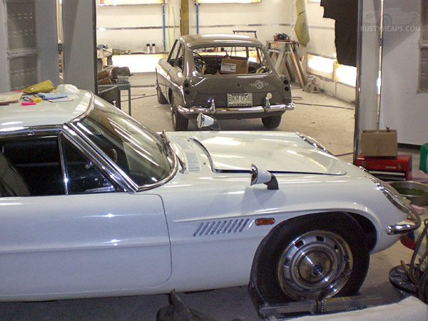 Mazda Cosmo, MGB GT