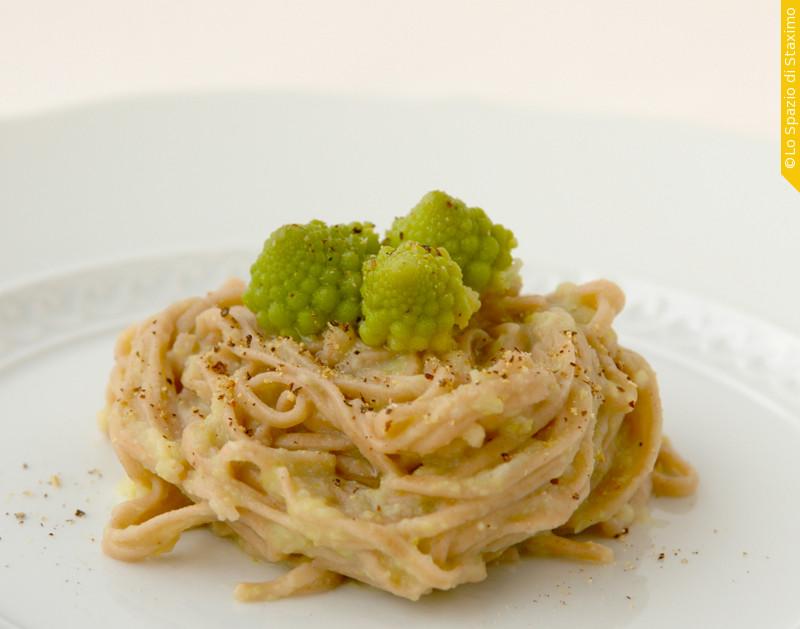 Tagliolini alle Castagne con crema di Cavolfiore Romanesco