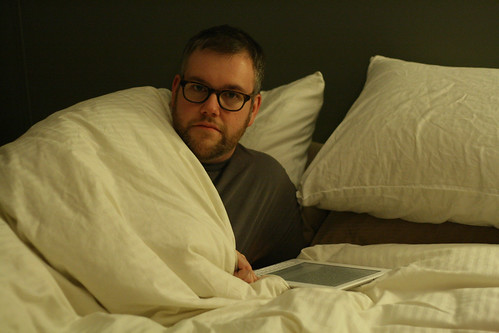 A man, a bed, a Kindle