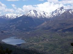 Vue sur le lac de Calacuccia depuis le sentier des bergeries de Ciaretta