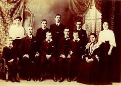 Image titled Munro family, 1907