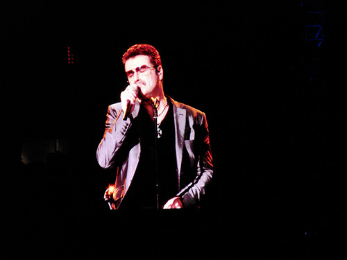 George Michael in concert, Sydney 2010 - 27