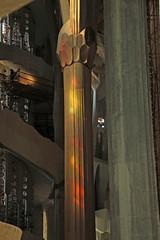 Sagrada Familia (Dimormar!) Tags: barcelona colours sagradafamilia kerk glasinlood kleuren pilaren