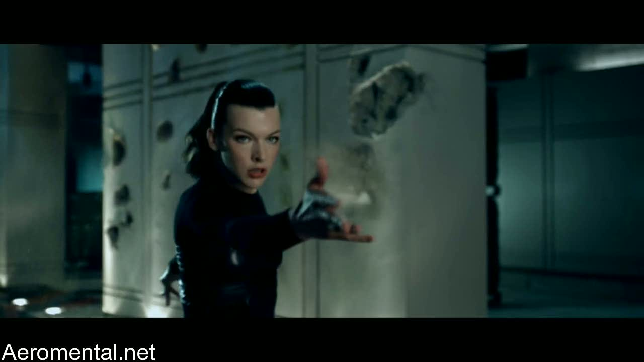 Resident Evil Afterlife Alice cabello negro