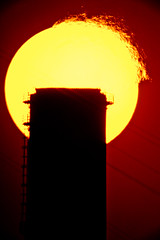 (mblsha) Tags: sun silhouette redrose smokestack refraction mto1000 gettycandidate