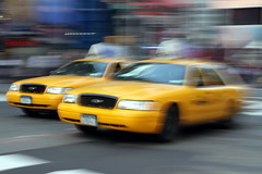 New York by Angel Carro 121 (Angel Carro Gigosos) Tags: nyc travel usa newyork travelling yellow canon manhattan cab taxi yellowcab 5thavenue traveller amarillo viajar estadosunidos nuevayork eeuu viajero nytaxi 5avenida 5photosaday canon7d angelcarro acarro73