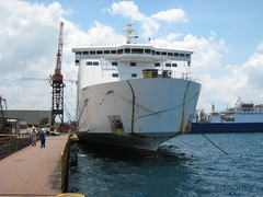 Superferry 20 (edisonsy) Tags: ship philippines batangas shipping roro keppel superferry20