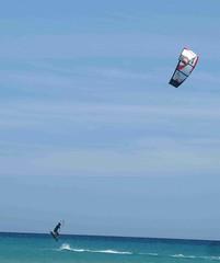IMG_2892 (miss_verstaendnis) Tags: ocean sea sun kite beach water strand meer wasser sommer fuerteventura kitesurfing atlantic canaries sonne atlanticocean canaryisland fuerte kitesurfen sotavento wassersport sotaventobeach