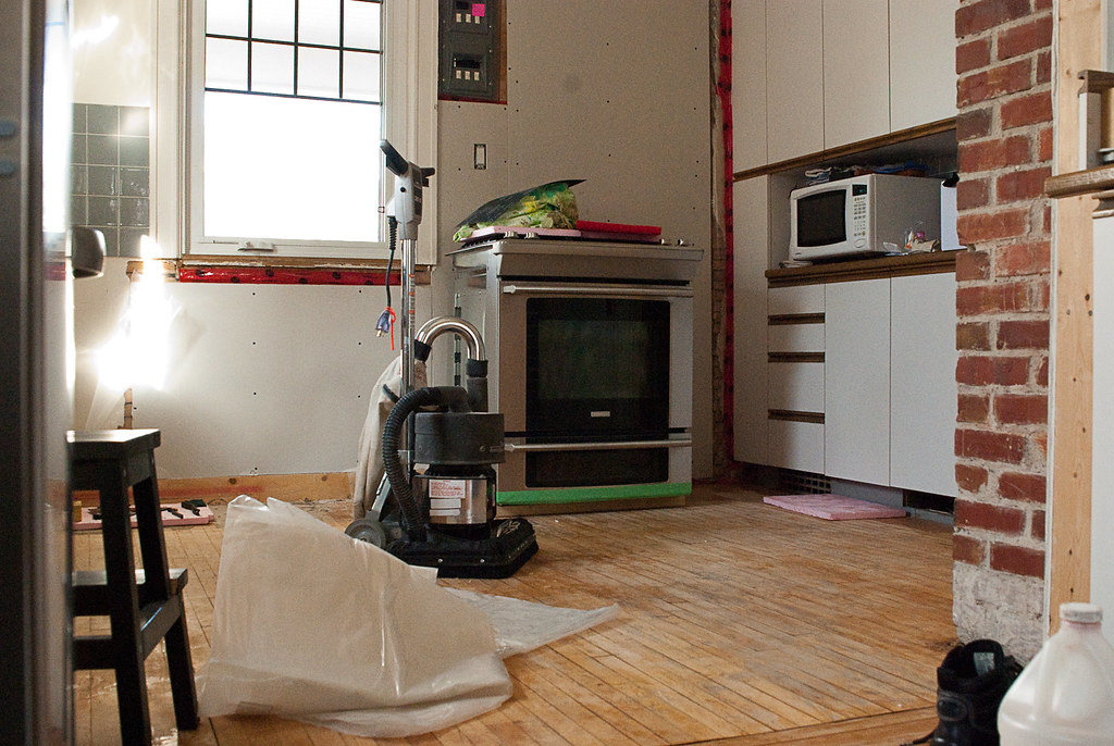 CLEANING KITCHEN FLOORS. CLEANING KITCHEN