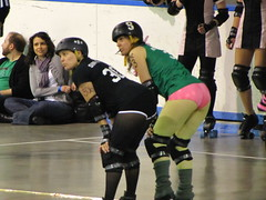 IMG_3077 (Craig Stephen) Tags: new woman ontario canada sport fly team women track venus hamburg kitchener waterloo roller dishes derby tramp stratford tramps viscious