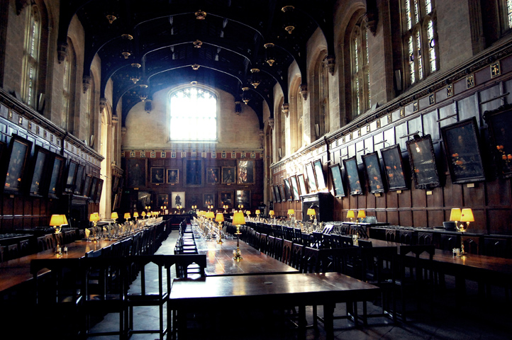 HALL HOWARTS (HARRY POTTER)