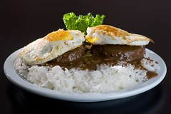 Loco Moco (1/3) (Jim U) Tags: food home sonyhvlf56amflash nikonsb80dx 12mmkenkoextensiontube sony900 minolta85mm14grs cafeworld 21x20inchdiysoftbox