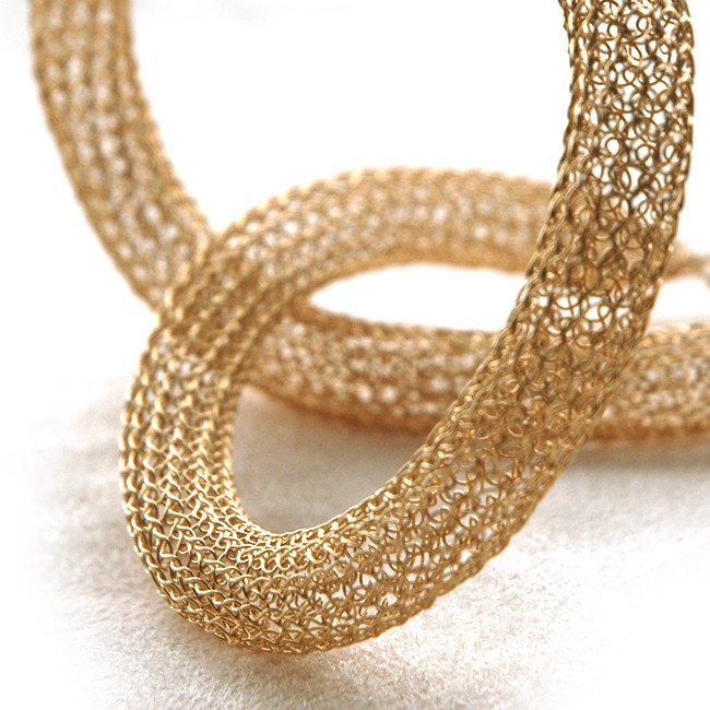 Tube gold necklace