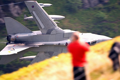 "RAF GR4 ""Hill Dodging""!!! (PhoenixFlyer2008) Tags: speed canon yahoo google photographer close loop military low jet fast level 500mm tornado 31 f4 snapper raf squadron mach cadair panavia gr4 marham"