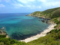Plage N de la baie de l'Acciolu et Punta di l'Acciolu