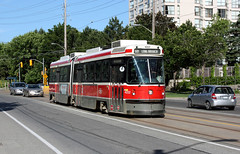 #4222 on Lakeshore Blvd (Andrea Zaratin) Tags: park city light toronto ontario canada car bay long branch trolley ttc lawn tram rail queen transit lakeshore mass streetcar tramway lrt blvd hawker queensway humber 501 pcc utdc mimico bolevard siddley alrv 4222 straenbahn