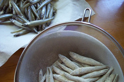 deep-fried smelt: ready to be fried