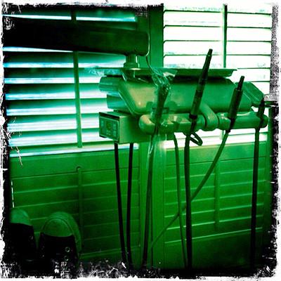 dentist-equipment-iambossy
