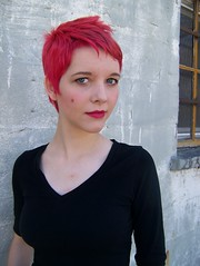 Is it pink? Or red? (cellophane.Flower) Tags: pink red hair mac bright cut pixie panic short dye janell pillarbox manic beautymark