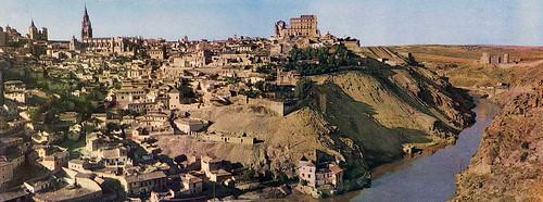 Vista panorámica de Toledo en los años 40. Fotografía montada por cortesía de José María Moreno