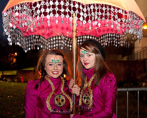 Niamh McMenamin and Seanna Lee gearing up for the 'Parade of Light'