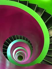schwindelig - dizzy (Berliner1963) Tags: stairway stairwell stairs treppenhaus pierredemeuron jacquesherzog ikmz btu glas modernarchitecture modernearchitektur library bibliothek university universität cottbus germany deutschland