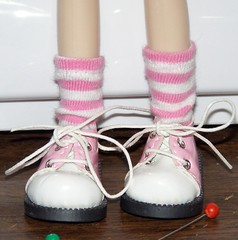 Gwennie legs and Pinky Shoes and Socks