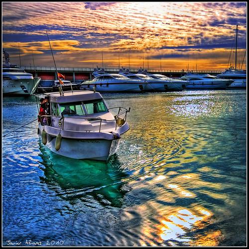 Visiones del Puerto - Un Barco de regreso al muelle