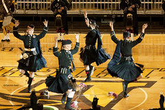 10/2.5 Lords A Leapin' (Photo Amy) Tags: canoneos50d january pennsylvania stablerarena dancers kilts irishdancing lordsaleapin thebandoftheirishguardsroyalregimentofscotlandargyllsutherlandhighlanders