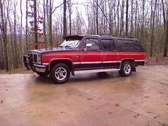 0315091810 (stevenbr549) Tags: suburban 1987 sierra gmc