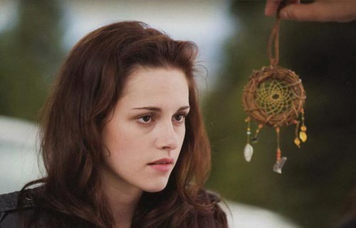 kristen stewart bella swan new moon. Bella Swan and Jacob#39;s Gift,