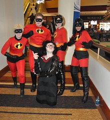 The Incredibles (neshachan) Tags: costumes columbus ohio costume cosplay violet disney dash pixar convention theincredibles columbusohio cosplayer columbusoh elastigirl cosplayers mrincredible ednamode ohayocon animeconvention cosplaying ohayocon2010