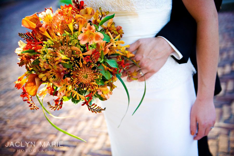 orange wedding flowers, Wichita photographer