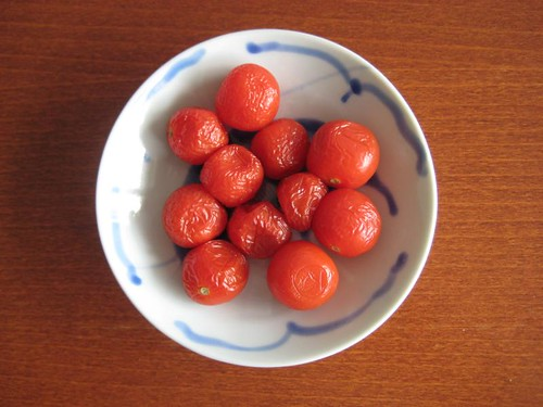 Cherry tomatoes, too old to eat