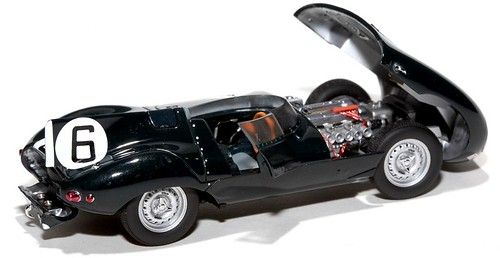 AutoArt Jaguar D