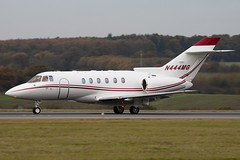 N444MG - 258415 - Private - Raytheon Hawker 800XP - Luton - 091106 - Steven Gray - IMG_3751