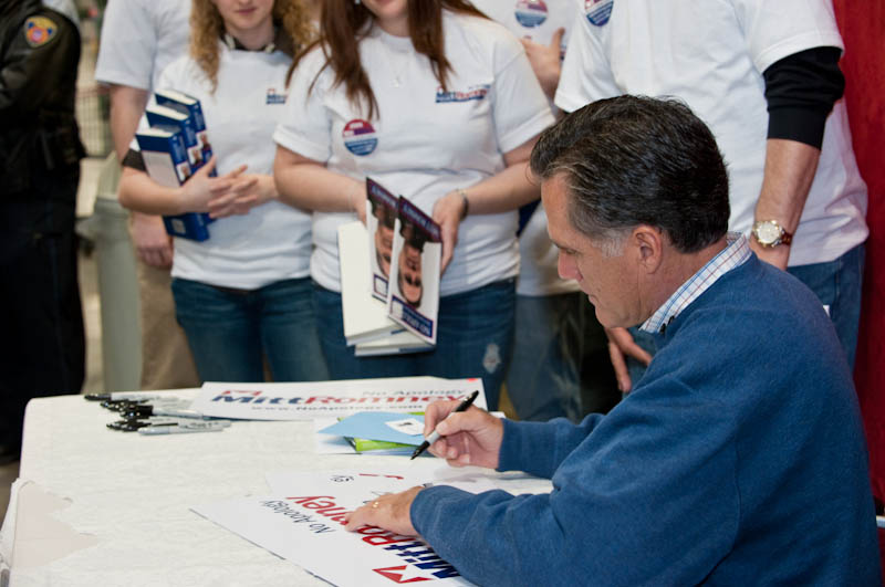 Mitt Romney-Signing Books for Volunteers