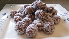Coconut Flaked Cranberry Balls (NuttyKitchen) Tags: dessert coconut almond pomegranate cranberry recipes