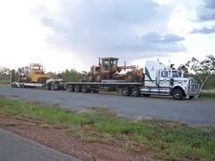 Western Star 4 (Lenny Turner) Tags: truck australia quad float westernaustralia roadtrain oversize westernstar lowloader