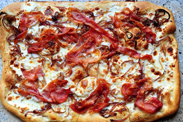 Caramelized Onion & Prosciutto Pizza | The Pioneer Woman ...