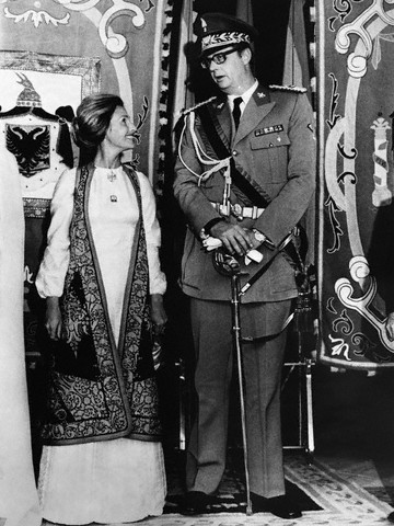 Boda de Leka de Albania, hijo del Rey Zog, con su novia Susan Cullen-Ward en Illescas (Toledo). Image by © Hulton-Deutsch Collection/CORBIS