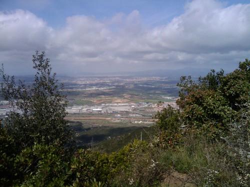 regal d'aniversari per @llucartes , vista del vallès des del poblat ibèric de les maleses