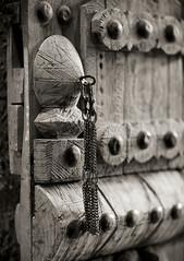 Riyad old door - Saudi Arabia (Eric Lafforgue) Tags: door wood old closeup wooden ancient noiretblanc nopeople arabia porte capitale riyadh saudiarabia bois grosplan ksa riyad saudiarabien arabie blackandwhitepicture arabiasaudita kingdomofsaudiarabia 8319  arabiesaoudite   suudiarabistan arabsaudi  photonoiretblanc  saoediarabi arabiasaudyjska musmakfort