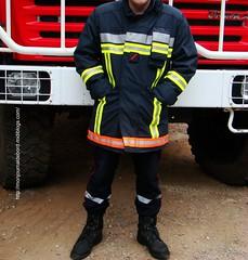 nouvelle veste textile (tripuniforme) Tags: firemen feuerwehr bomberos pompiers combatboots cuir pompiere sapeurspompiers vigiledelfuoco nouvelletenue vestetextile tenuedefeu nouvelletenuedefeu rangersdec