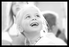 WEDDING / MARIAGE : Little Guest! :) (Sebastien LABAN) Tags: wedding portrait white love face composition hair eyes cotedazur dress ceremony mariage shoulder glance 83 var sud photographe straphael saintraphael haircutlook freijus