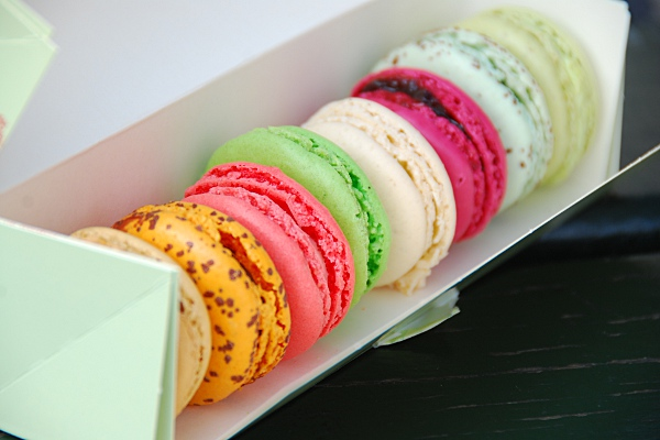 day5-laduree-macarons
