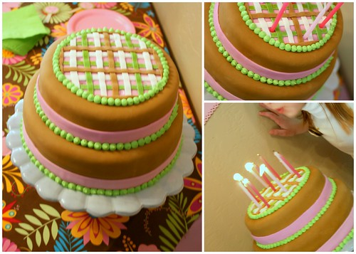 Nancy Drew Cake Ideas http://bunchesandbits.blogspot.com/2010/04/nancy-drew-birthday-party-sweets.html